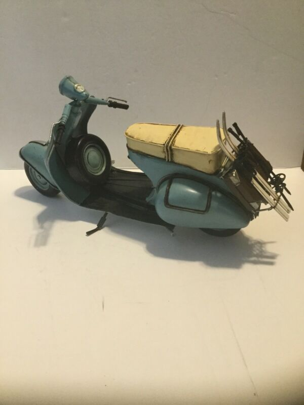 "Big 15"" Toy VESPA Scooter Motorcycle DECOR TIN METAL - - Rare"