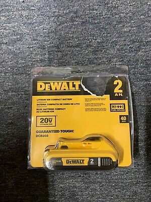 DeWalt DCB203 20-Volt MAX Lithium-Ion Compact Battery Pack 2.0Ah