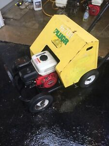 Lawn Aerator Plugr with honda engine