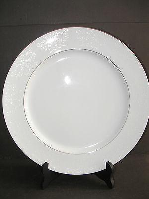 - Brentwood China LINDEN LACE TM1003 White Flowers Platinum Trim Chop Plate 12.5