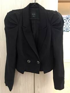 Womens black blazer, size 6/small - Me & City