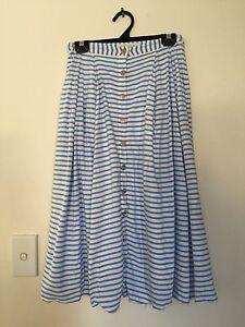 Forever new skirt size 6 Sumner Brisbane South West Preview
