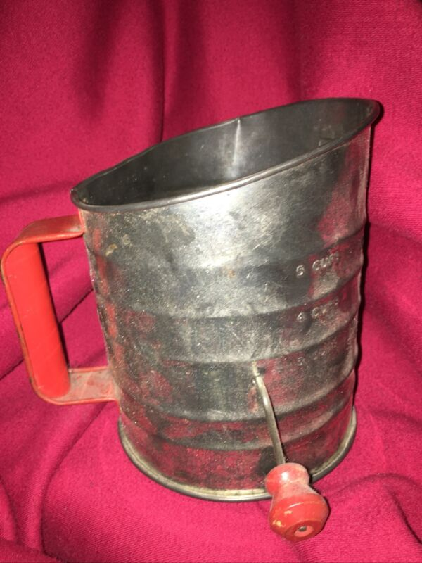 Vintage Nesco 5 Cup Measuring Flour Sifter Red Wooden Crank Handle