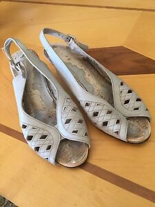 Beautiful vintage shoes in need of repair Bellevue Heights Mitcham Area Preview