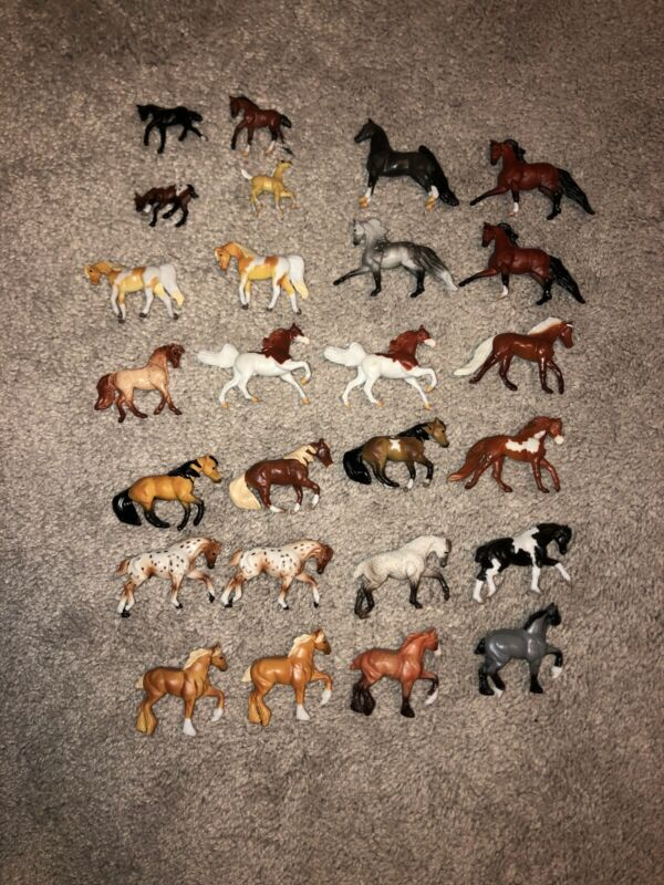 Breyer Lot Of 26 Mini Whinnies