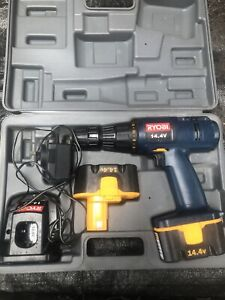 Ryobi 14.4 volts cordless drill kit