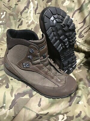 Brown high Liability goretex AKU Boots!british Army Issue!hardly worn! Size 9 L