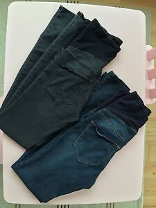 H&M 2 pairs Maternity skinny jeans - size small - blue and black