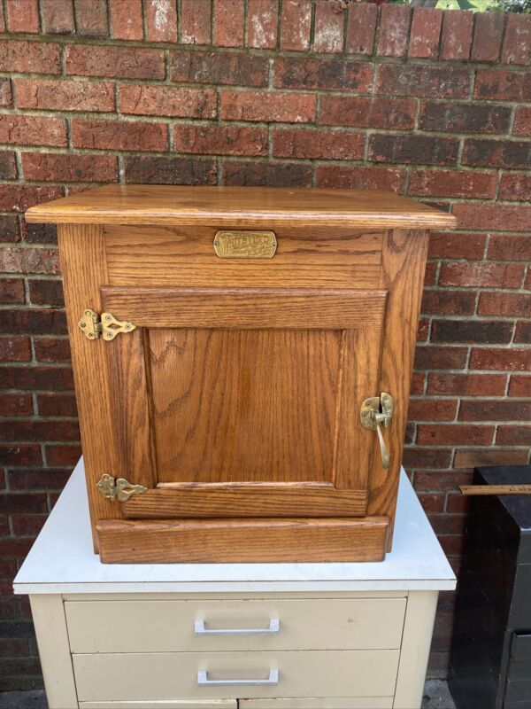 Vintage Oak White Clad Ice Box End Table Nightstand (Very Good Condition)
