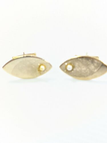 Vintage Gold Tone Brushed Faux Pearl Oval Cuff Links