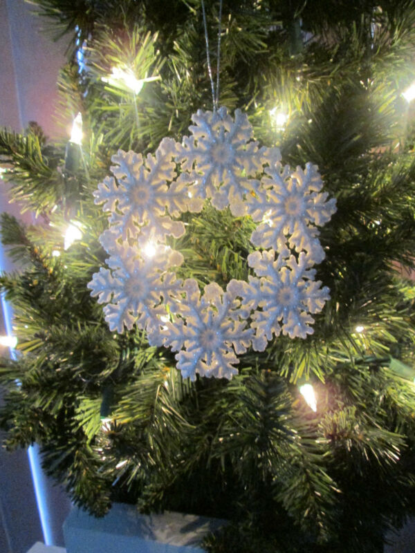 "5"" White with Silver Glitter Snowflake Wreath Christmas Ornament, New"