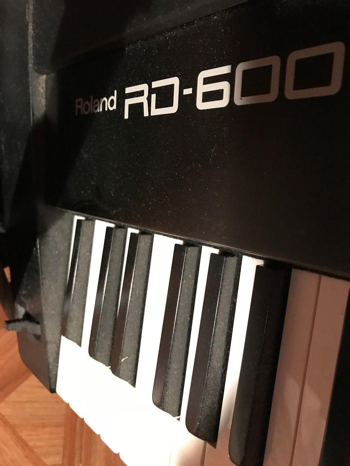 NEW! ROLAND RD-600 DIGITAL STAGE PIANO 88-key professional o