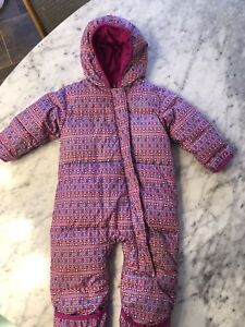 Columbia Bunting 12-18 months one piece snowsuit