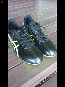 ASICS Soccer Boots - Size 11.5 (46) A$50