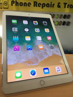 MINT CONDITION IPAD AIR2 16GB WIFI SILVER COME WITH SHOP WARRYANY