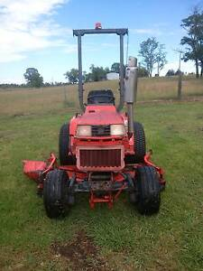Kubota 1750B 4X4 Tractor with 60in mowing deck Branxton Singleton Area Preview