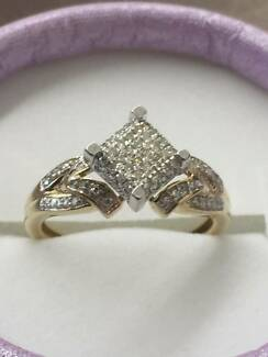 10ct Yellow Gold & Diamond Dress Ring  84 Diamonds 0.42ct Cessnock Cessnock Area Preview