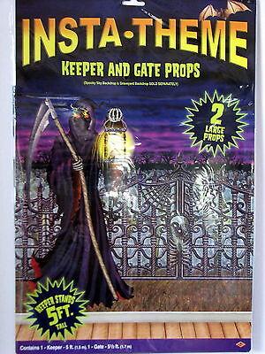 Insta-Theme Keeper and Gate Props - Halloween Scene Decoration - NIB