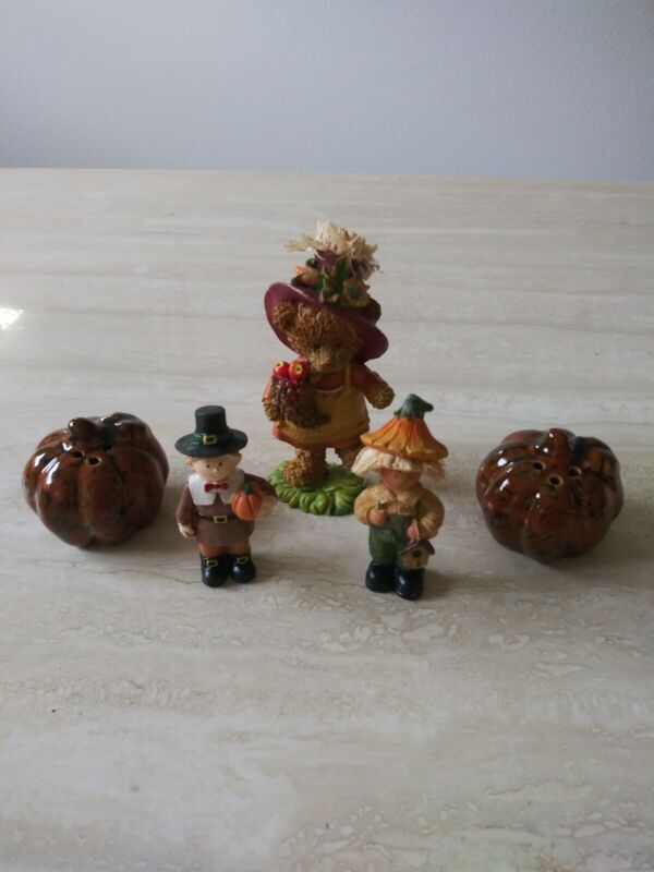Vintage Autumn Figurines Set Bobble Bear Pilgrim Boy & Girl And Pumpkin Shakers
