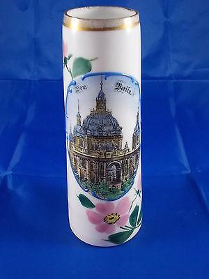 Antike Andenken Vase BERLIN Dom emailliert Milchglas