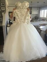 Wedding dress Woongarrah Wyong Area Preview
