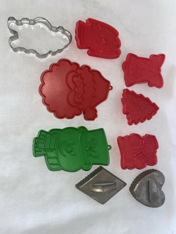 Lot Of 9 Vintage Cookie Cutters Christmas Holidays mixed brands