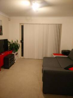 Aircon Master Bedroom + Ensuite in Flat near UQ!