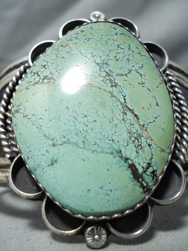 ONE OF THE BIGGEST VINTAGE NAVAJO GREEN TURQUOISE STERLING SILVER BRACELET