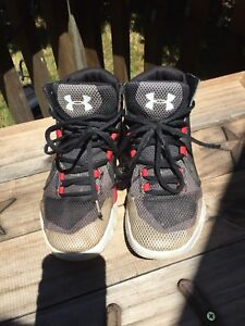 Size 4.5 Under Armour Basketball Shoes