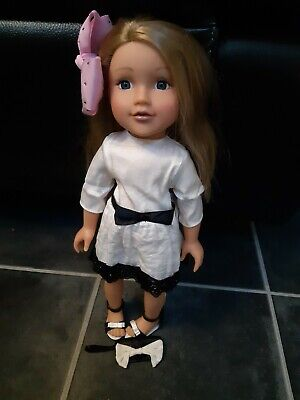 Design a Friend Doll plus 2nd outfit and phone