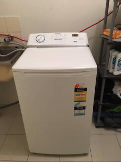 SIMPSON 5.5kg washing machine $239firm