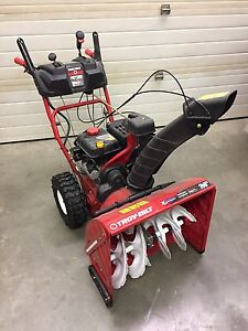 Troy-built 24-in 208cc 2-stage snowblower