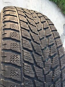 215/60/R16    2 winter Toyo tiers for 40 $