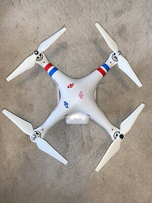 Used DJI Phantom 2 quadcopter drone Includes battery, remote control,