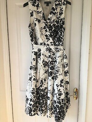 Black And White/Cream Floral Dress Size 18 By Jessica Howard
