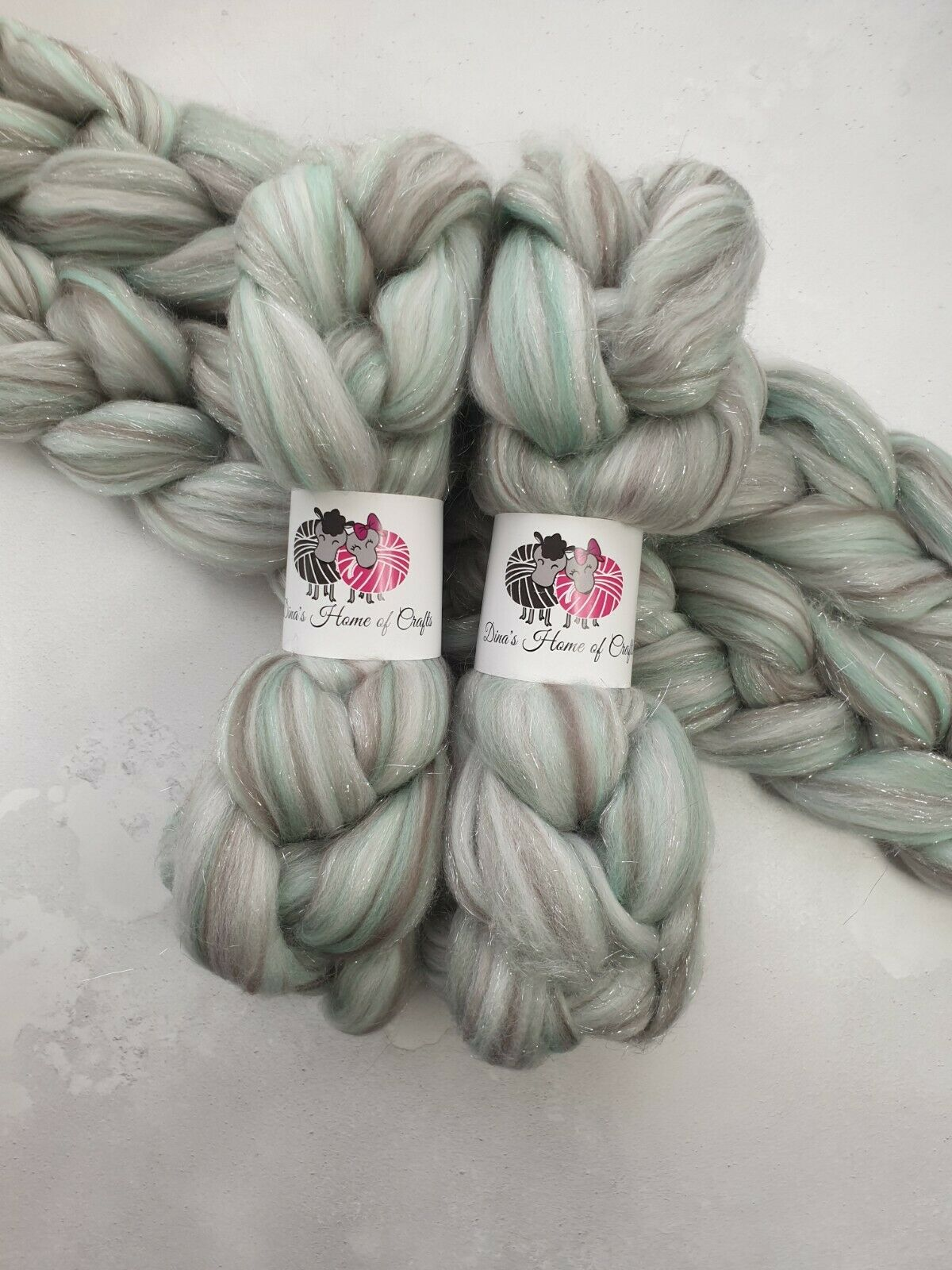 как выглядит Merino Stellina roving, wool top, 100 g, HAPPILY EVER AFTER фото
