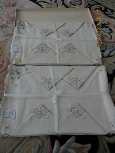 VTG. MADIERA PLACEMAT/NAPKIN 16 PC. LINEN HAND EMBROIDER 1960