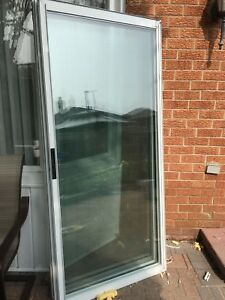 Free sliding glass door