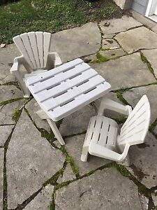 Kids adirondack chair and table