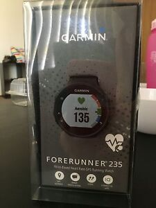 Garmin Forerunner 235 Heart rate and GPS Watch Bligh Park Hawkesbury Area Preview