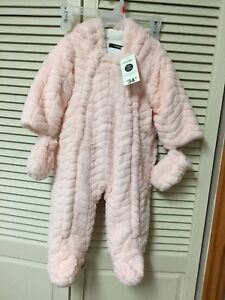 Baby girl snow suits 6-12m. 8$each