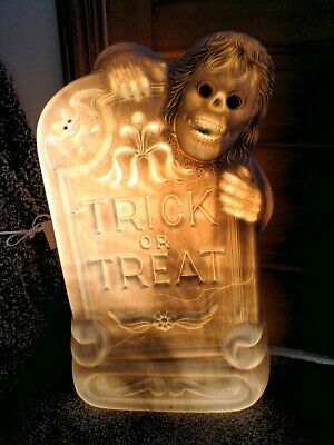 """HALLOWEEN 29"""" TOMBSTONE W/ BAT SKELETON TRICK OR TREAT LIGHTED BLOW MOLD"""