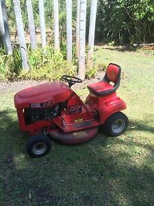 Cox ride on lawn mower Humpty Doo Litchfield Area Preview