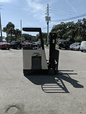 Crown Rc3020-30 Forklift For Sale