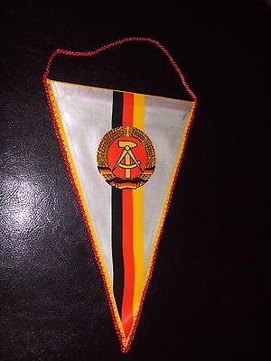 Original DDR Wimpel-Hammer-Zirkel-Ährenkranz-Karl Marx-Kopf