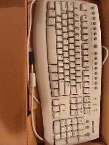 Microsoft Wireless Computer keyboard