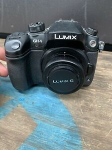Panasonic LUMIX DSLR GH4 body