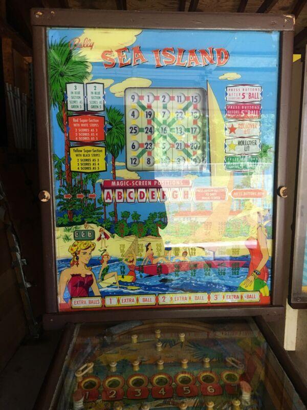 Bally Pinball-Bingo Machine Vintage 1950's Sea Island