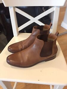 MENS 7.5 / WOMENS 8.5 ALDO LEATHER CHELSEA BOOTS BROWN