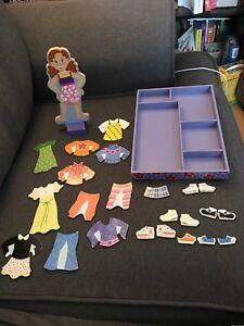 Poupée magnétique à habiller / Magnetic dress up doll